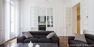 Salon d'un appartement 3 chambres dans le 8ème arrondissement de Paris