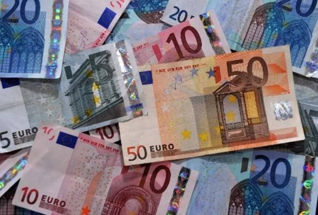 PEA-PEL-assurance-vie-la-hausse-de-la-fiscalite-fait-debat_article_popin